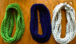 finger-knit-scarf