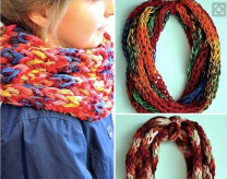 http://wonderfuldiy.com/wonderful-diy-colorful-finger-scarf/